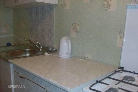 Сдается 1-комнатная квартира посуточнов Кургане, ул. Карельцева, 119.