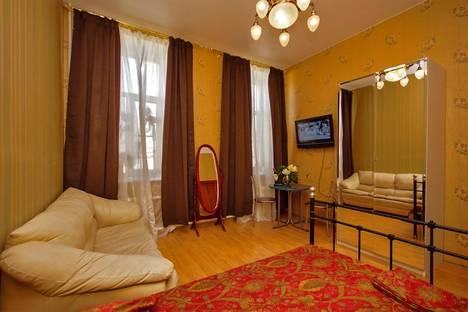 Сдается 1-комнатная квартира посуточно в Санкт-Петербурге, Итальянская ул., д.21.