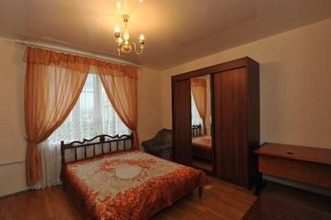 Сдается 3-комнатная квартира посуточно в Волгограде, Проспект Ленина, 21.