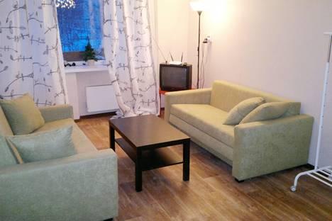 Сдается 2-комнатная квартира посуточно в Междуреченске, проспект 50 лет Комсомола, 50.