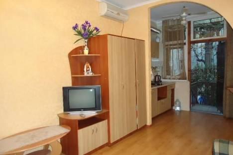 Сдается 1-комнатная квартира посуточно в Ялте, Боткинская, 6.