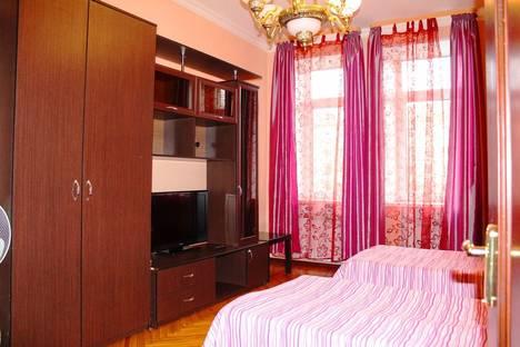 Сдается 3-комнатная квартира посуточно во Владимире, проспект Ленина, 9.