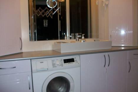 Сдается 1-комнатная квартира посуточно в Санкт-Петербурге, Наб. канала Грибоедова, 136.