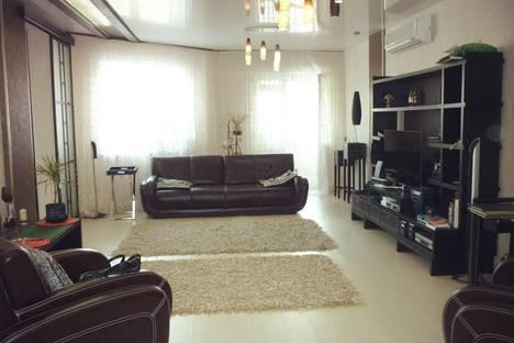 Сдается 2-комнатная квартира посуточнов Серове, Ленина 150.