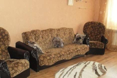 Сдается 2-комнатная квартира посуточно в Симферополе, Пер. Пионерский, 1.