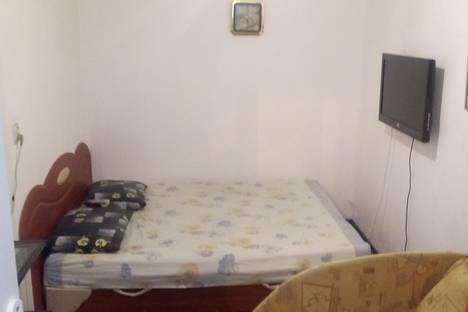 Сдается 1-комнатная квартира посуточно в Ялте, улица Кирова, 11.