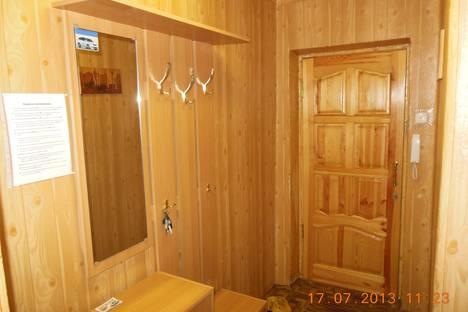 Сдается 1-комнатная квартира посуточнов Великих Луках, ул. Дьяконова, 11.  Центр.