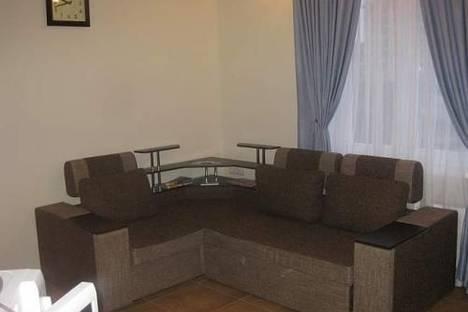 Сдается 2-комнатная квартира посуточно в Ялте, ул. Игнатенко, 5.