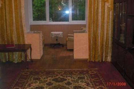 Сдается 2-комнатная квартира посуточно в Ялте, ул.Садовая, 25.