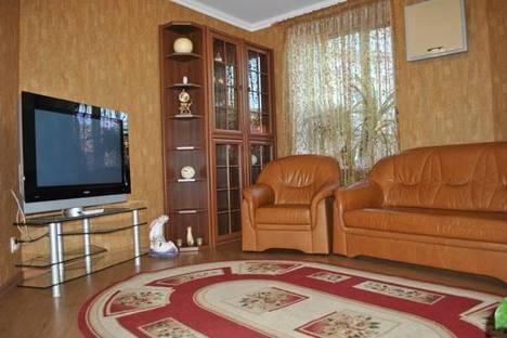 Сдается 2-комнатная квартира посуточно в Николаеве, Проспект Ленина, 69.