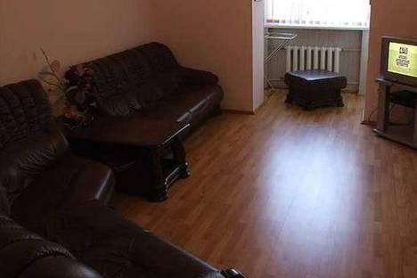 Сдается 3-комнатная квартира посуточно, ул. Суворова, 35.