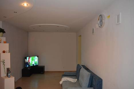 Сдается 2-комнатная квартира посуточно, ул. Аделя Кутуя, д3.
