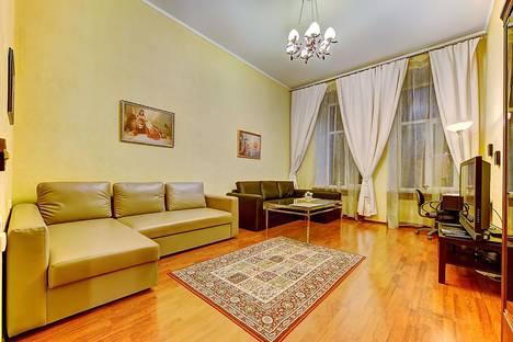 Сдается 2-комнатная квартира посуточнов Санкт-Петербурге, Невский пр., 65 (М1).