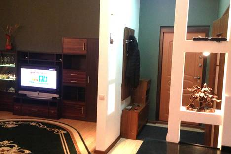 Сдается 1-комнатная квартира посуточнов Ханты-Мансийске, ул. Гагарина, 65.
