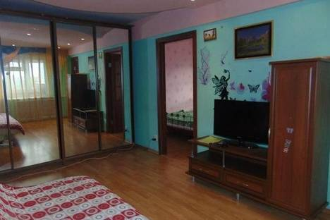 Сдается 3-комнатная квартира посуточно в Нижневартовске, Спортивная 1А.