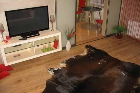 Сдается 2-комнатная квартира посуточно в Днепре, ул. Ленина, 21.
