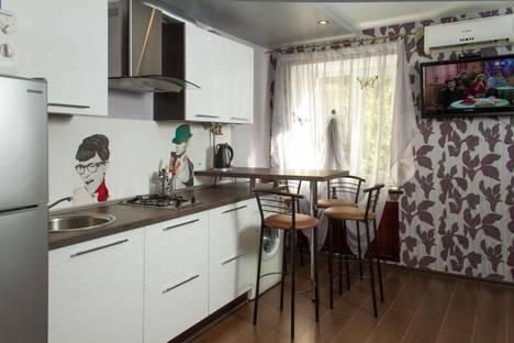 Сдается 2-комнатная квартира посуточно в Днепре, ул. Комсомольская, 27.