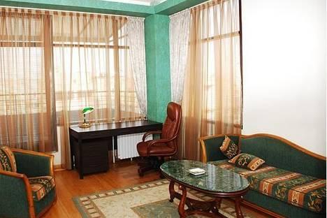 Сдается 3-комнатная квартира посуточнов Новомосковске, ул. Комсомольская, 49.
