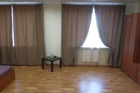 Сдается 3-комнатная квартира посуточнов Санкт-Петербурге, улица Дыбенко 27 к.1.