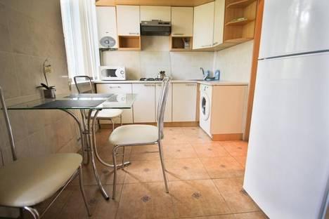 Сдается 1-комнатная квартира посуточно в Днепре, ул.Московская, 10.