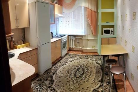Сдается 2-комнатная квартира посуточно в Бузулуке, ул. Гая 77А.