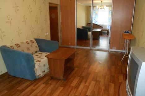 Сдается 1-комнатная квартира посуточно, проезд пр-д Ушакова, 10.