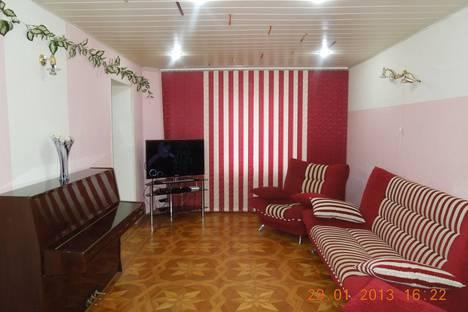 Сдается 4-комнатная квартира посуточно, ул. Дзержинского, 152.
