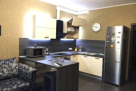 Сдается 1-комнатная квартира посуточно в Ханты-Мансийске, ул. Гагарина, 126.