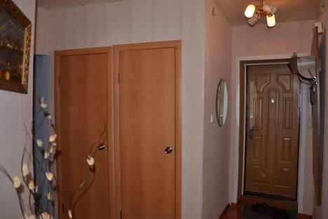 Сдается 2-комнатная квартира посуточнов Кургане, Томина 112.