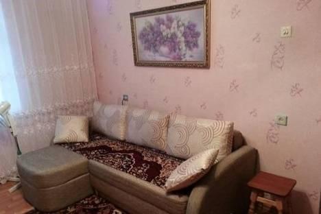 Сдается 1-комнатная квартира посуточнов Кировске, Московская, 5.