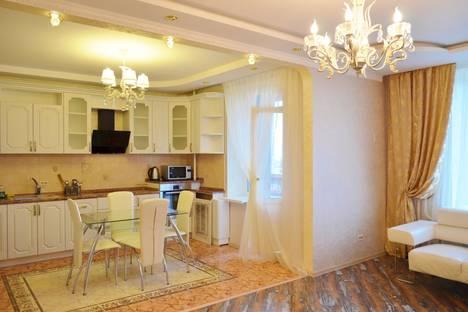 Сдается 2-комнатная квартира посуточно в Брянске, площадь Партизан, 1.