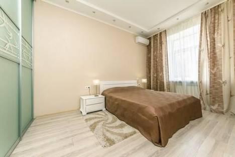 Сдается 2-комнатная квартира посуточно в Киеве, ул. Льва Толстого, 5а.
