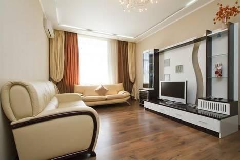 Сдается 3-комнатная квартира посуточно в Киеве, ул. Лютеранская, 17.