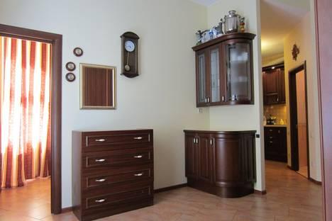 Сдается 2-комнатная квартира посуточнов Пушкине, Графтио 4.
