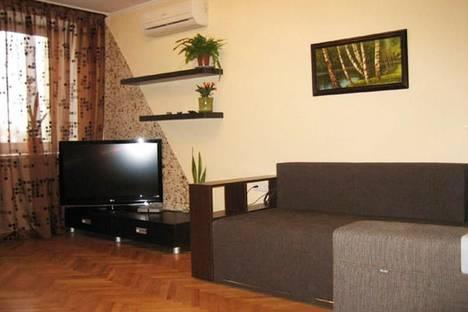 Сдается 2-комнатная квартира посуточно в Киеве, ул. Бассейная, 11.
