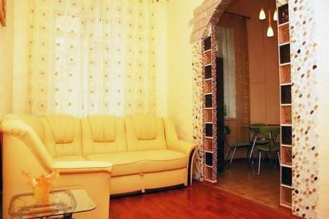 Сдается 2-комнатная квартира посуточно в Киеве, ул. Софиевская, 4.