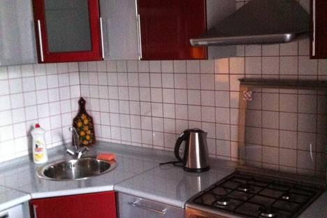 Сдается 1-комнатная квартира посуточнов Новомосковске, ул. Калинина 17а.
