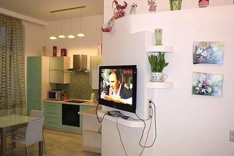 Сдается 2-комнатная квартира посуточно в Киеве, ул. Прорезная, 20.