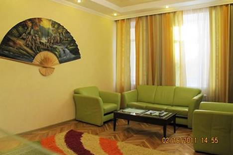 Сдается 2-комнатная квартира посуточно в Киеве, ул. Лысенко, 3.