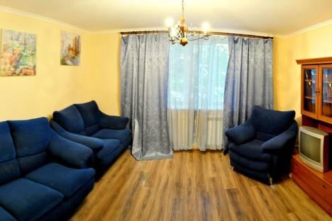 Сдается 2-комнатная квартира посуточно в Харькове, Комсомольское шоссе, 57А.