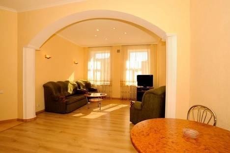 Сдается 3-комнатная квартира посуточно в Киеве, Бесарабская площадь, 5.