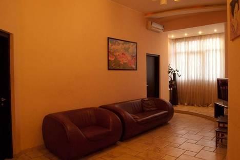 Сдается 3-комнатная квартира посуточно в Киеве, ул. Эспланадная, 2.