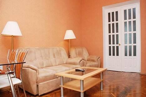 Сдается 3-комнатная квартира посуточно в Киеве, ул. Крещатик, 17.