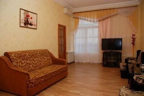 Сдается 3-комнатная квартира посуточно в Киеве, ул. Крещатик, 25.