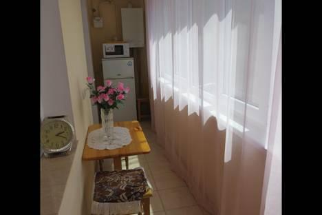 Сдается 1-комнатная квартира посуточнов Массандре, Парковая, 6 4этаж.