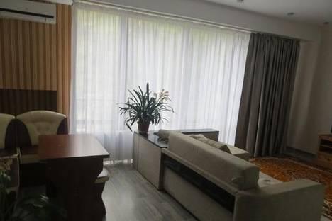 Сдается 2-комнатная квартира посуточно в Партените, Солнечная, 13А.