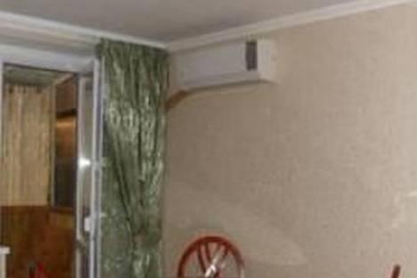 Сдается 2-комнатная квартира посуточно в Новомосковске, ул. Никиты Головко, 24.