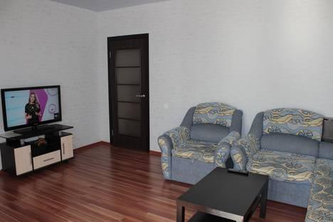 Сдается 1-комнатная квартира посуточнов Челябинске, ул. Братьев Кашириных, 152.