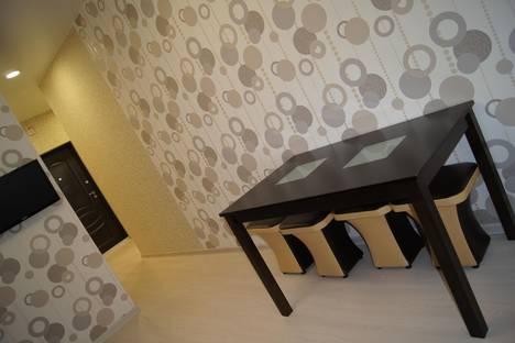 Сдается 1-комнатная квартира посуточнов Омске, 10 лет октября 105.