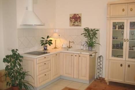 Сдается 2-комнатная квартира посуточно в Киеве, ул. Днепровская Набережная, 26.